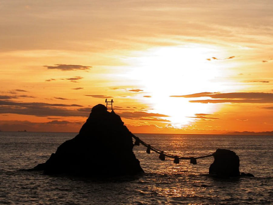 See and worship the sunrise at Meoto Iwa, the Married Rocks