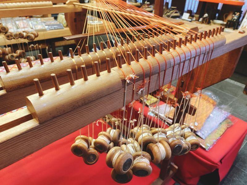 亲手编织动漫中的日本传统手工艺「组纽」,丝线交汇出古往今来的颜色
