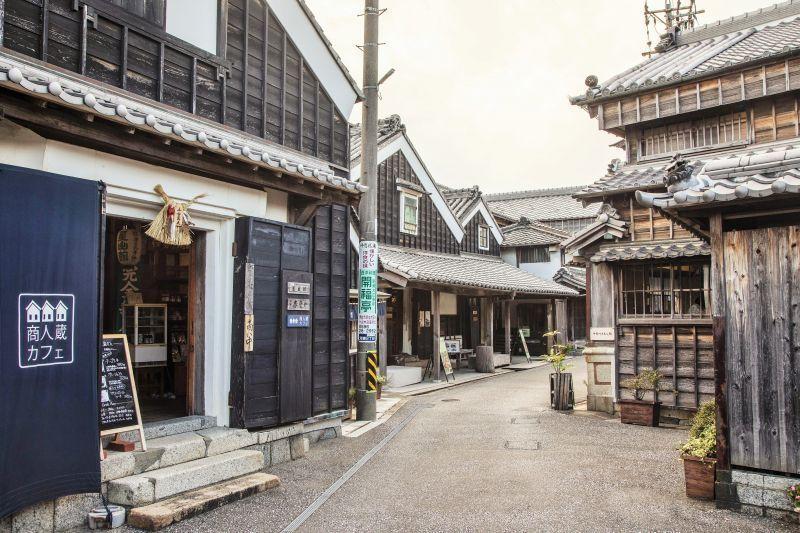 伊势河崎地区:骑着蓝色自行车穿行在江户时代的老街,我在这里发现了真正的日本