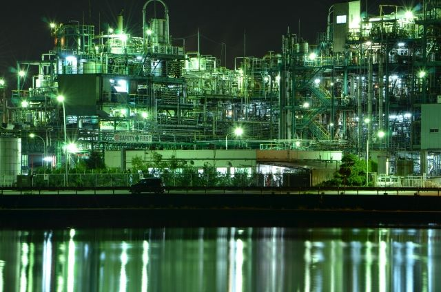 Yokkaichi Nighttime Factory Views: the Glittery Gorgeous Side of Heavy Industry