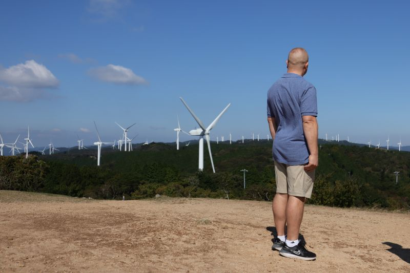 In the Aoyamakogen Highlands, sustainable energy is being produced in harmony with nature.