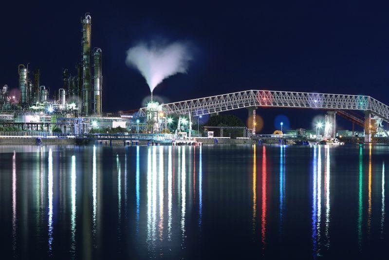 Brighten Up the Evening with Yokkaichi City's Nightlife