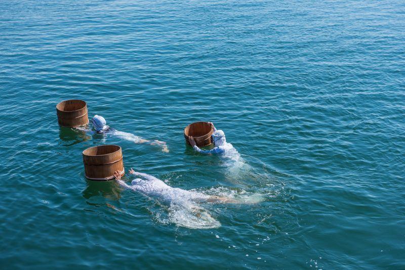 ¡El pescado y el marisco recién asados a la parrilla están deliciosos! Pruebe la gira turística de la ama-goya (cabaña de ama).
