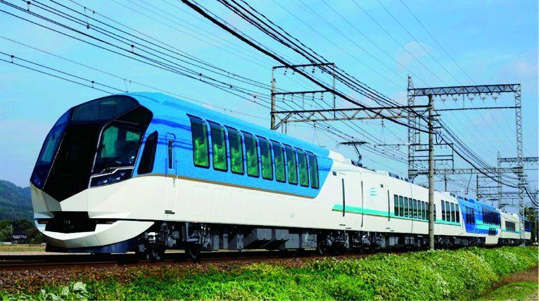 특급열차 시마카제를 타고 우아하게 이세시마로 가는 고품격 여행.