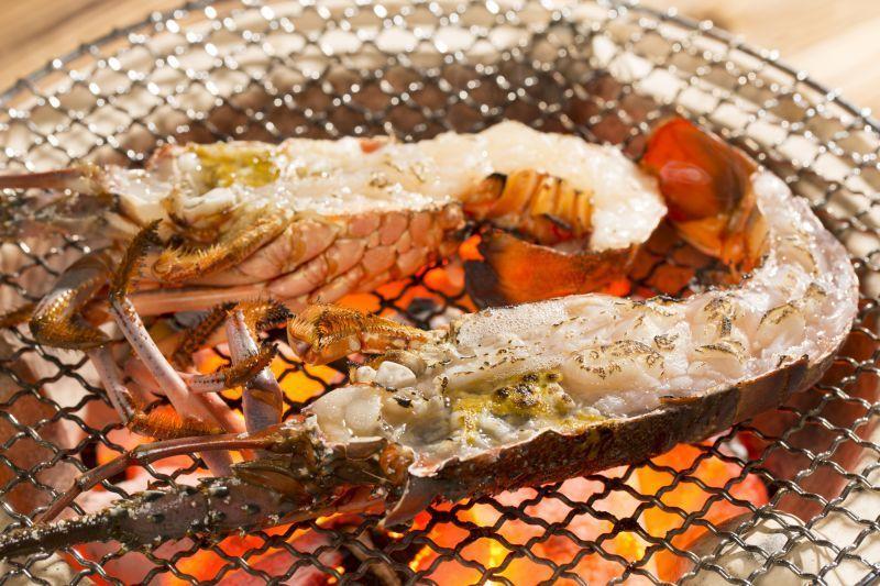[อาหารทะเลชั้นเยี่ยมและเนื้อวัวแบรนด์ดัง] อาหารชั้นเลิศของญี่ปุ่นมีอยู่ที่มิเอะ
