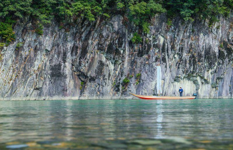 ประสบการณ์ล่องเรือใบโบราณ Sandanbo ในแม่น้ำคุมาโนะ