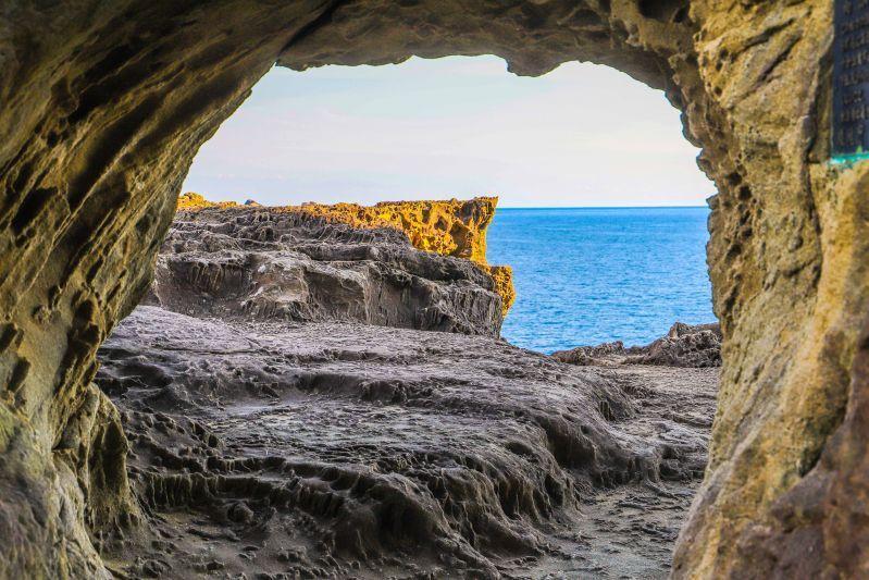 หนีร้อนไปพึ่งทะเล ที่ Onigajo ผาหินทรงแปลกที่จะทำให้คุณตื่นตาตื่นใจทันทีที่พบเห็น