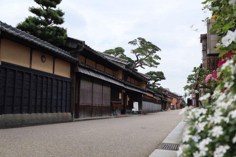 穿越時光隧道,順著松阪市「豪商之散步道」,歡迎走入豪商們的豪宅來作客。