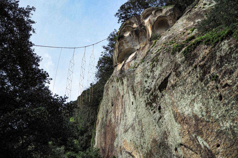 神聖巨岩,神秘絕景,在「熊野古道海岸線」延綿不絕。